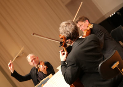 Werke für Streichtrio  von Orff, Toch, Aperghis und Mozart