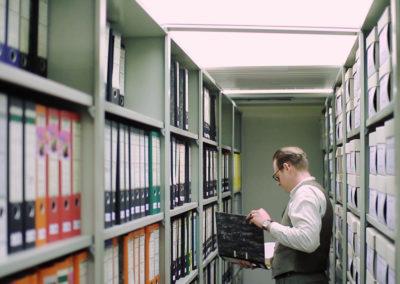 Orff-Zentrum München; Carl Orff; OZM; Dr. Tobias Grill im Aktenmagazin des Historischen Archivs, Kooperationsprojekt Carl Orff im BR