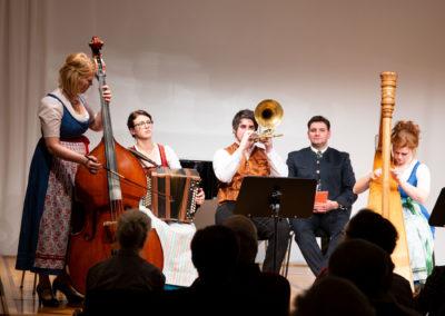 Konzert: Traditionelle bayerisch-österreichische Weihnachtslieder und Instrumentalstücke